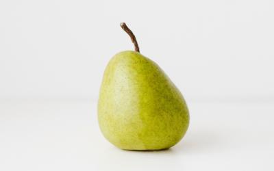 Refreshing Pear and Gorgonzola Salad